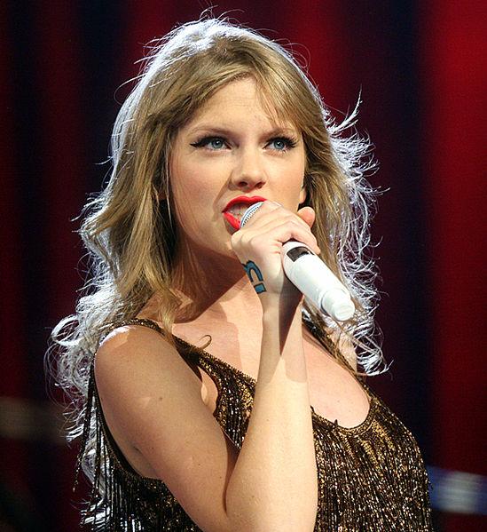 Taylor_Swift_2012.jpg